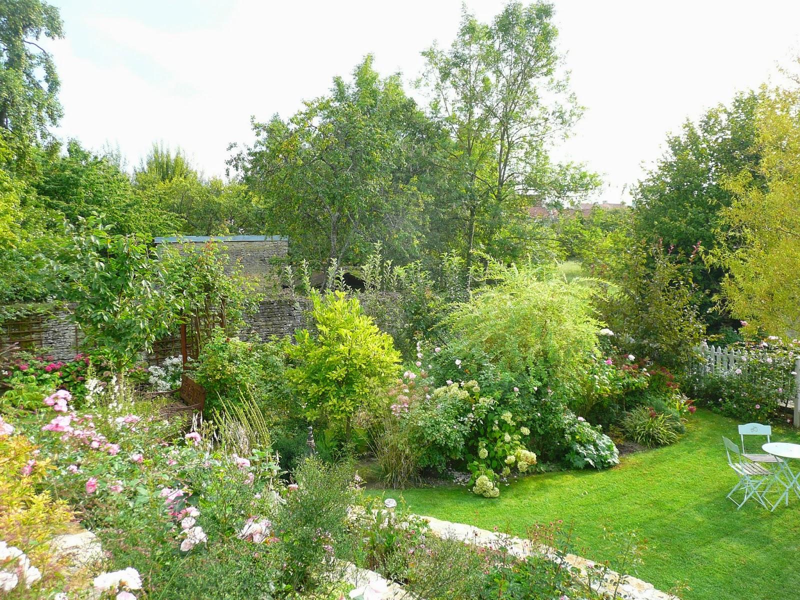 4 conseils pour donner l illusion d un jardin plus grand for Jardinier conseil