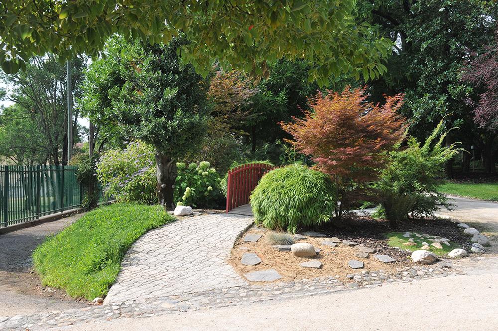 Al s 30 arbore une mine fleurie jardinier conseil - Conseil national des parcs et jardins ...