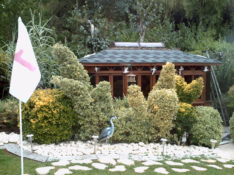Des id es pour r aliser un massif 4 saisons jardinier for Jardin 4 saisons
