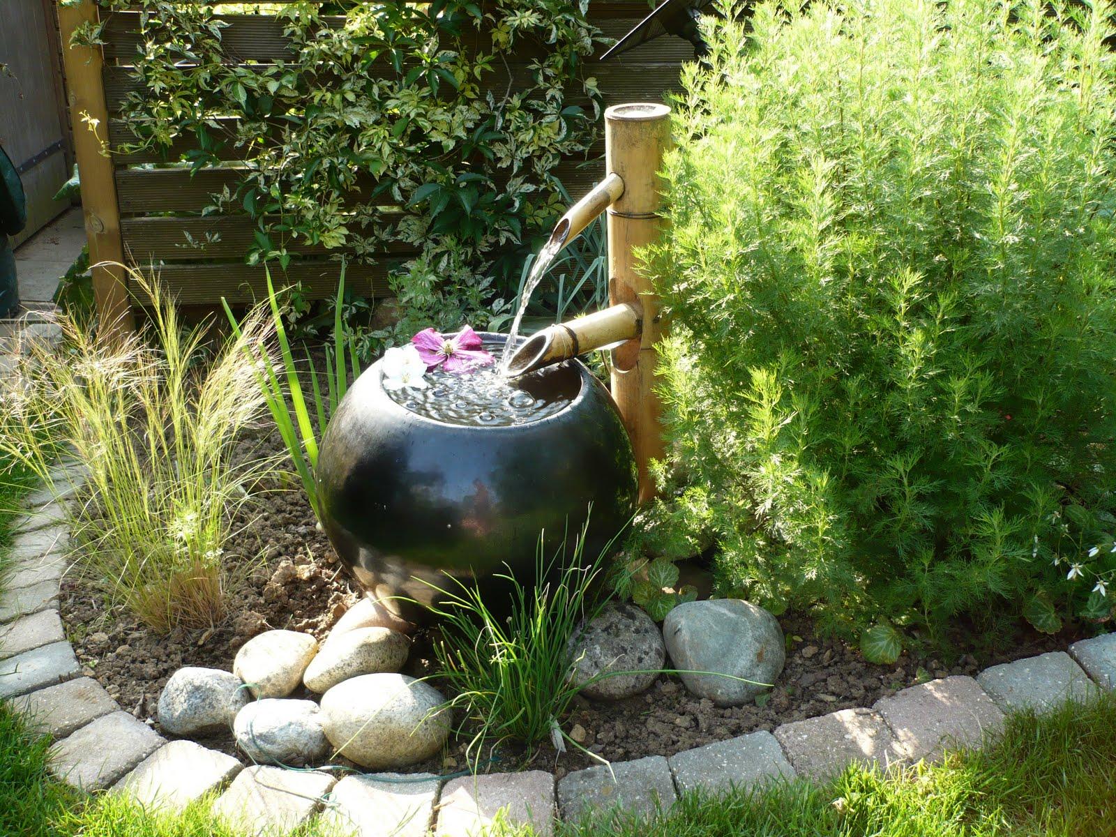4 moyens d introduire votre plan d eau au jardin. Black Bedroom Furniture Sets. Home Design Ideas