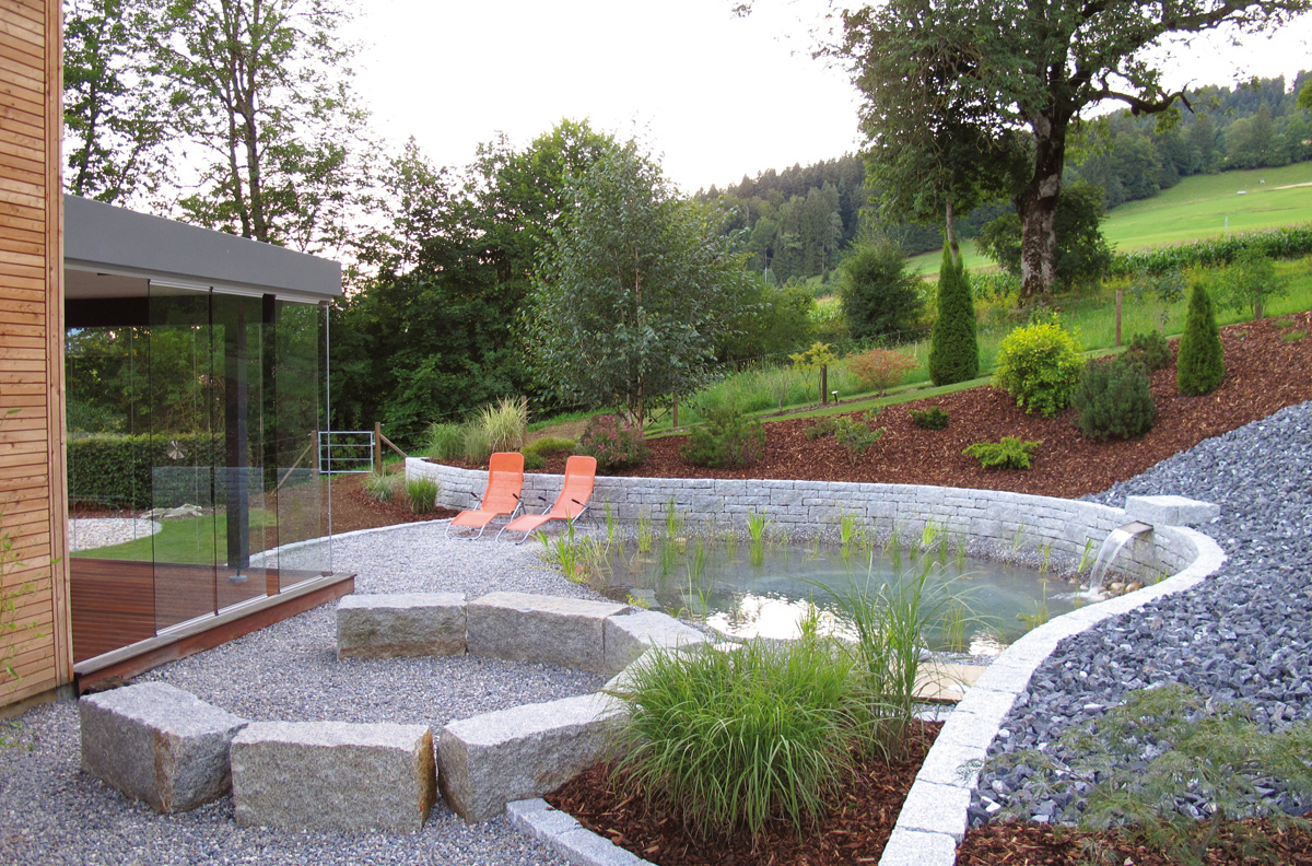 4 moyens d introduire votre plan d eau au jardin for Bassin biologique