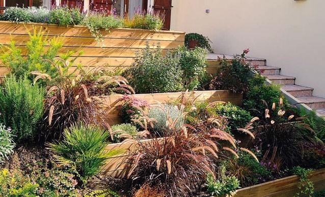 3 moyens d apprivoiser un jardin en pente jardinier conseil - Creer un jardin mediterraneen avignon ...